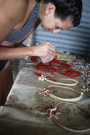 Création de collier en coquillages