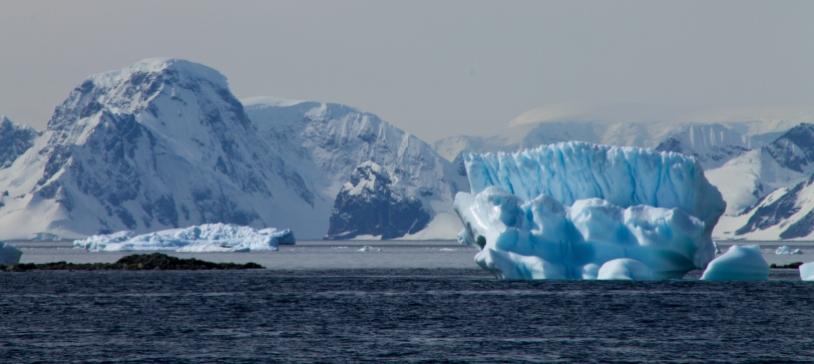 Les glaciers bleus d'Antarctique